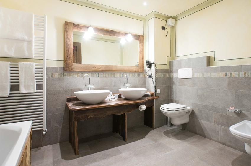 Junior Suite 109 - Bath-Room
