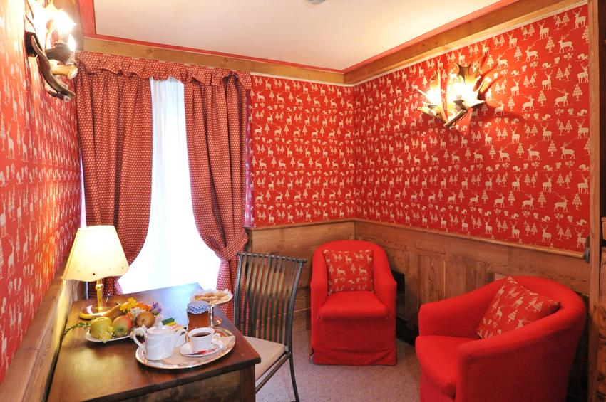 De Luxe Room 221