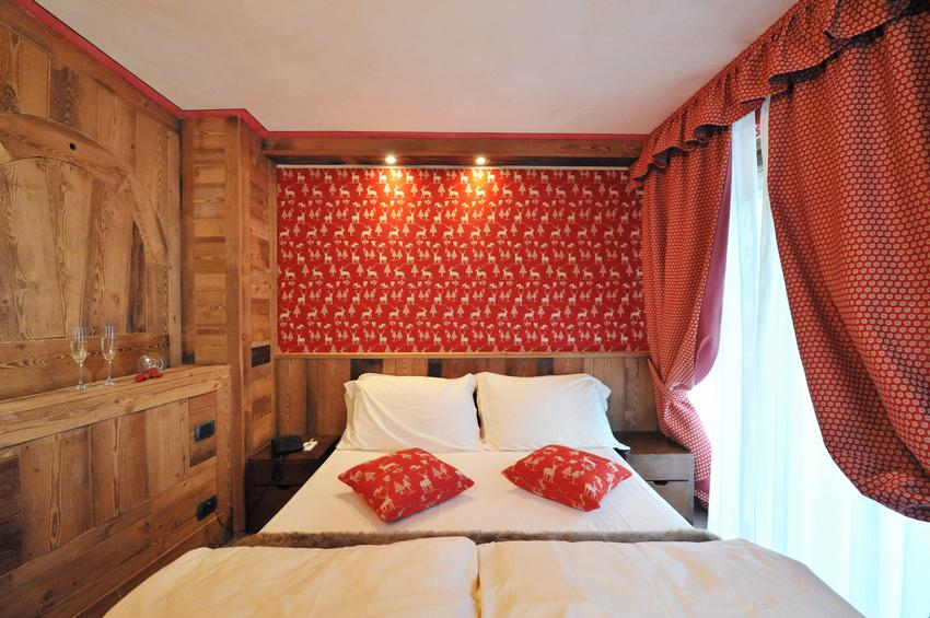 De Luxe Room 220