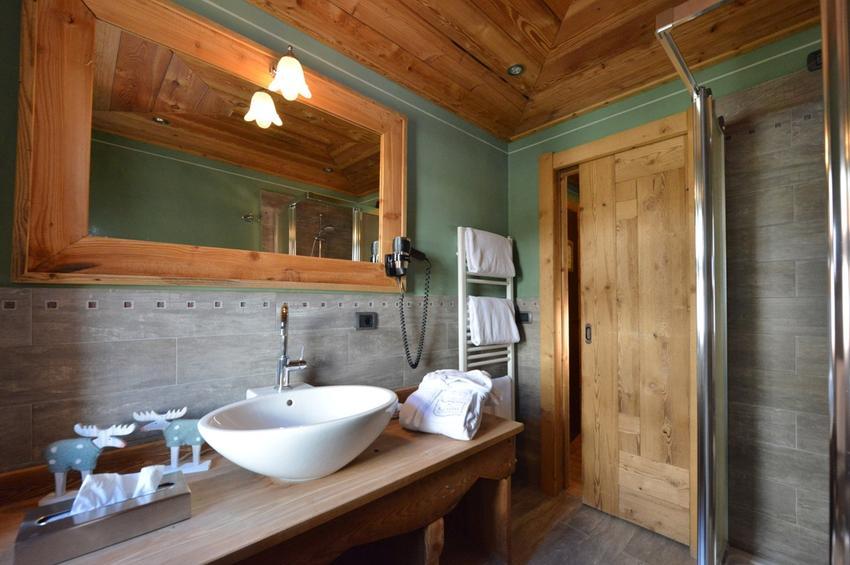 Junior Suite 327 - Bath-Room
