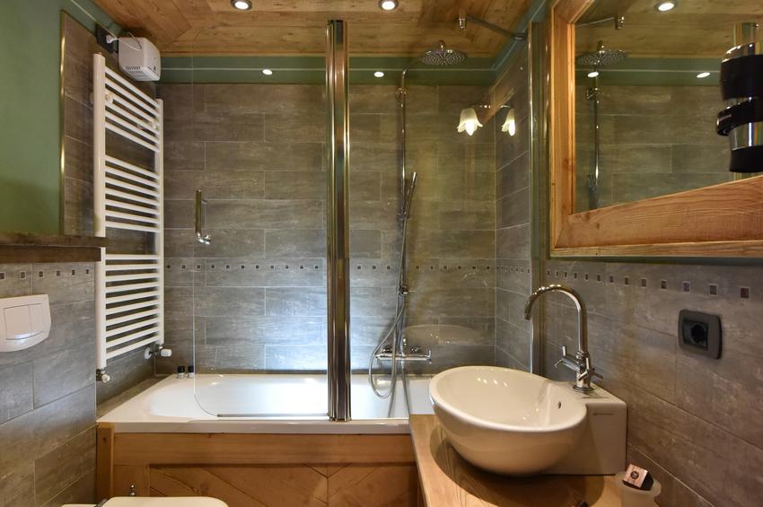 Junior Suite 329 - Bath-Room