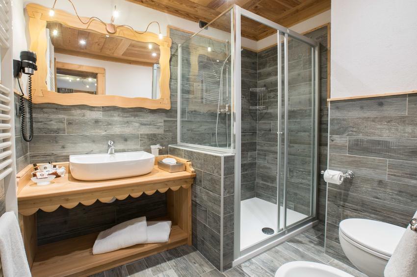 Superior Room 330 - Bath-Room